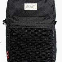 Утерян чёрный рюкзак Levi's