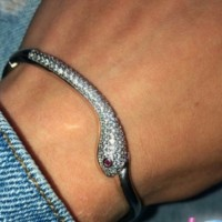 Утерян браслет в форме змеи
